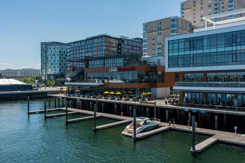 Waterfront restaurants in Boston with outdoor seating